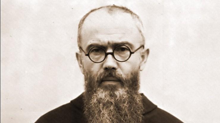 Muzeum Auschwitz podważa autentyczność bluzy obozowej o. Kolbego