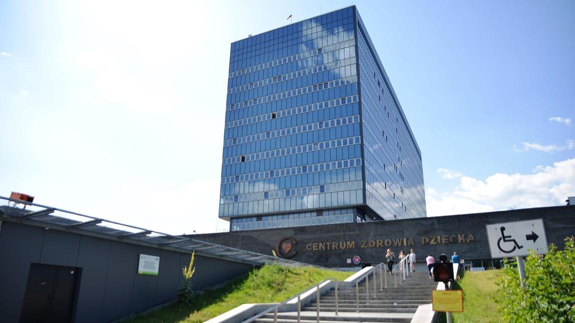 Plus pomaga Fundacji Polsat w budowie Centrum Chorób Rzadkich