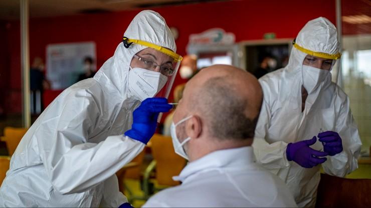 Czechy. Lekarze dostaną nagrody za walkę z pandemią. Nawet kilka tysięcy euro