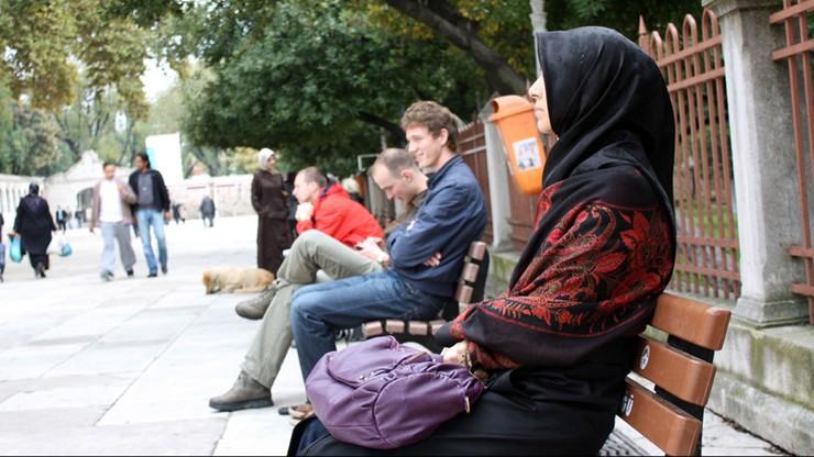 Amnesty International wzywa Berlin do walki z rasizmem