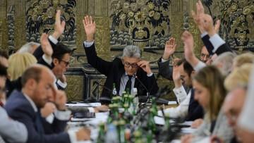 Komisja po 10-godzinnych, burzliwych obradach poparła projekt noweli ws. SN i KRS