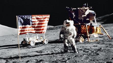 Donald Trump: USA będą wydobywać na Księżycu i planetoidach, co tylko zapragną