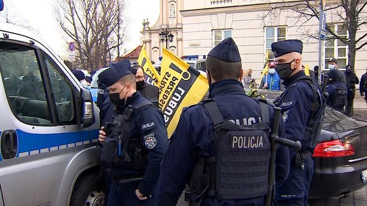 Protest w czasie obchodów smoleńskich. Paweł Tanajno zatrzymany