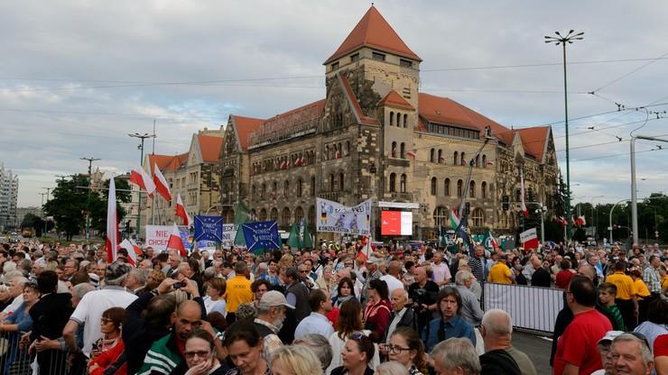 Prezydent Poznania: decyzja MON podgrzała emocje na uroczystości. Resort: to próba dzielenia Polaków