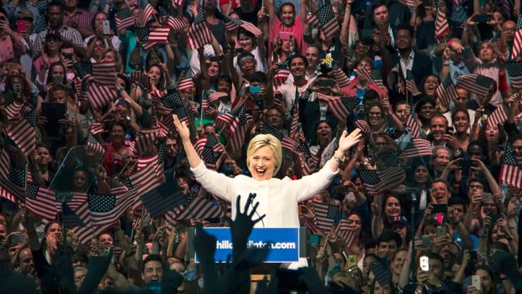 USA: Clinton wyprzedza Trumpa
