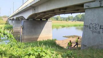 Zamknięty most we Wronkach. Eksperci nie stwierdzili stanu grożącego awarią