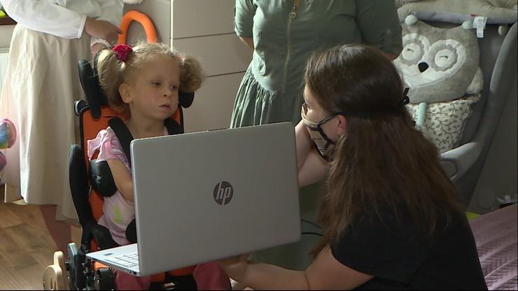 Skradziono pieniądze na sprzęt dla niepełnosprawnej Mai. 6-latce pomogli widzowie Polsatu