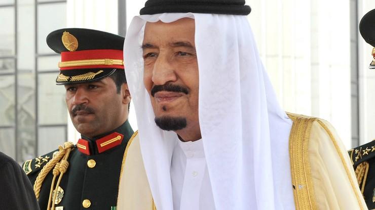 Saudyjski monarcha kazał zawiesić dziennikarza. Za pochlebstwa