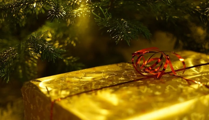 Niemal 70 proc. osób planuje świąteczne spotkanie z rodziną - 4 razy więcej niż w Wielkanoc