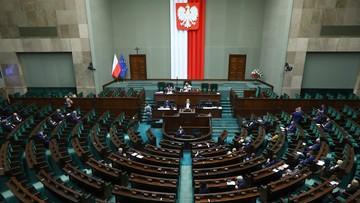Sejm odrzucił wnioski opozycji o informacje rządum.in. o programie szczepień