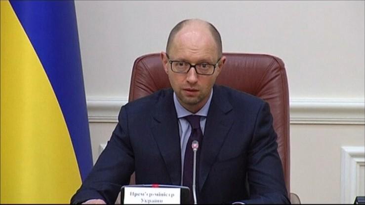 Nasila się konflikt o Krym. Ukraina przerywa transport towarowy z półwyspem