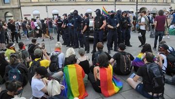 """Czarzasty o policji: """"kopali i pluli na ludzi"""". Jest odpowiedź"""