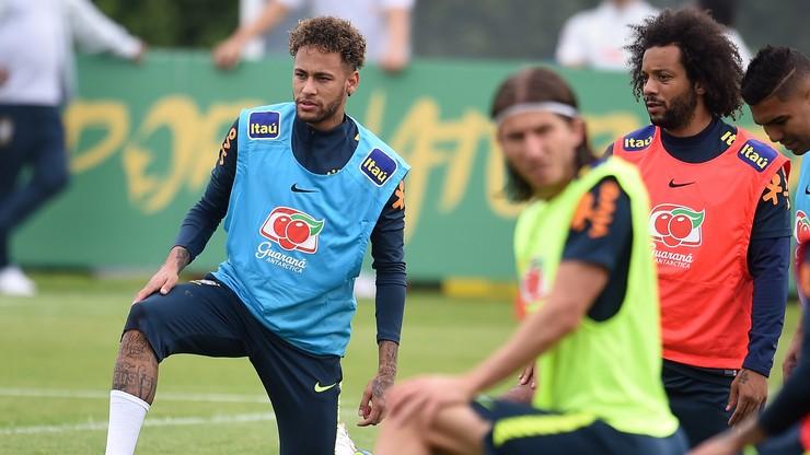 Neymar przygotowuje się do mundialu grając... w grę komputerową