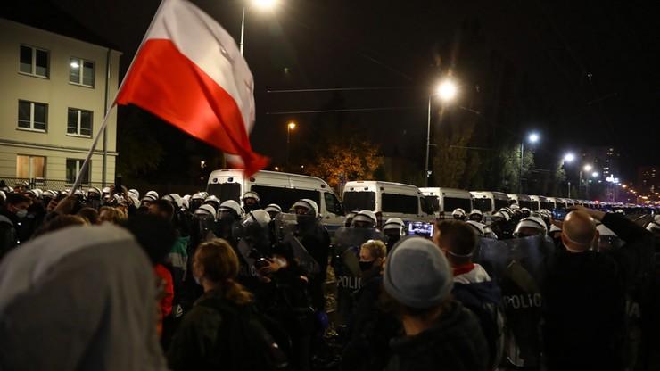 Manifestacja przed domem Kaczyńskiego. Protesty w wielu polskich miastach