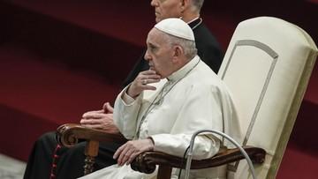Papież usunął dwóch kardynałów z rady swych doradców w związku z pedofilią