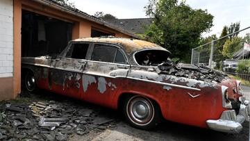 Niemiecki kolekcjoner stracił amerykańskie oldtimery w pożarze, który zagroził linii eurokolei