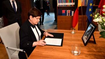 """""""Kohl - mąż stanu, przyjaciel Polski i wybitny polityk"""". Szydło złożyła wpis w księdze kondolencyjnej"""