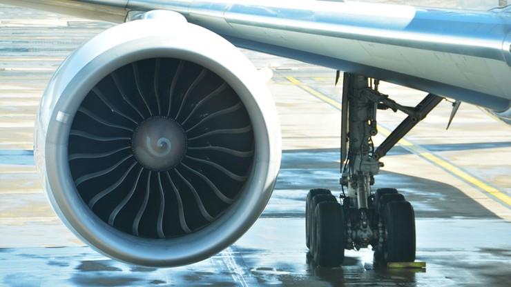 """Wrzucił monety do silnika samolotu - tłumaczył, że to """"na szczęście"""". Usłyszał wyrok"""