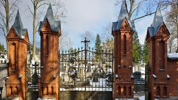 Litwa: z wojskowej kwatery na Rossie zniknęły biało-czerwone szarfy