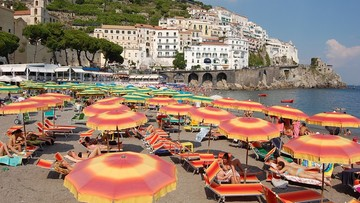 500 euro kary za posiadanie plastikowych sztućców. Nowe prawo na włoskich plażach
