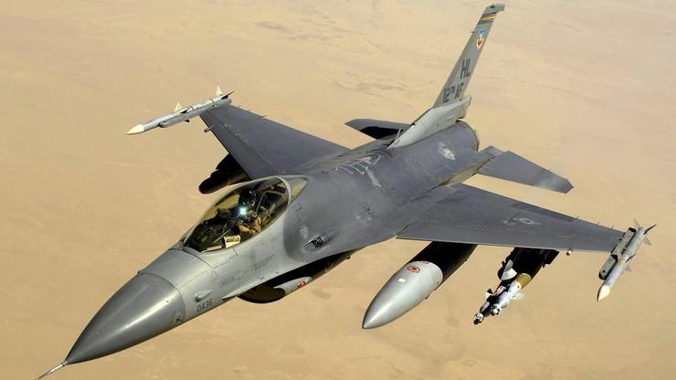 Myśliwiec F-16 rozbił się koło Las Vegas. Pilot nie żyje