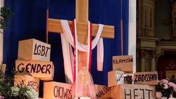 Awantura w kościele w Płocku. Ksiądz miał powiedzieć do geja: jesteś zboczony, powinieneś się leczyć