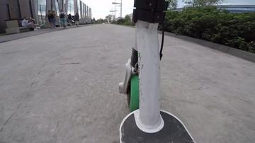 [WIDEO] Dwóch uczniów na elektrycznej hulajnodze wjechało na trasę S8