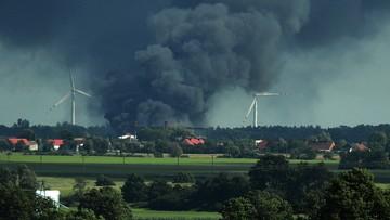 Pożar hali magazynowej w Waszkowie. Straty na 10 mln zł