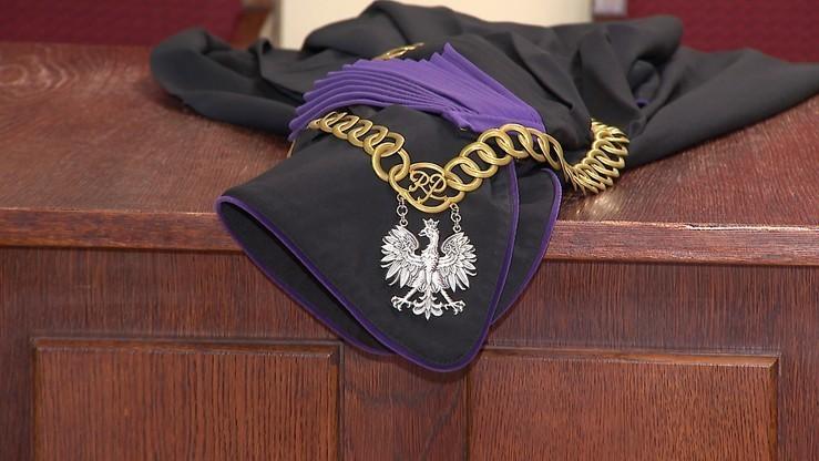 Sędzia z Suwałk zawieszony za jazdę po alkoholu. Brał udział w kolizji drogowej