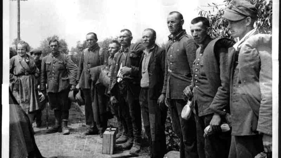 Polscy jeńcy wojenni uwolnieni z sowieckiej niewoli (lipiec 1941)