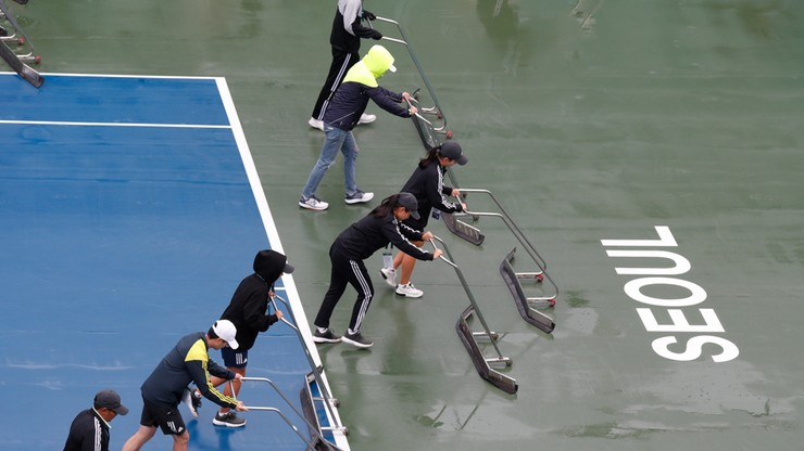 WTA w Seulu: Finał z udziałem Linette opóźnia się z powodu deszczu