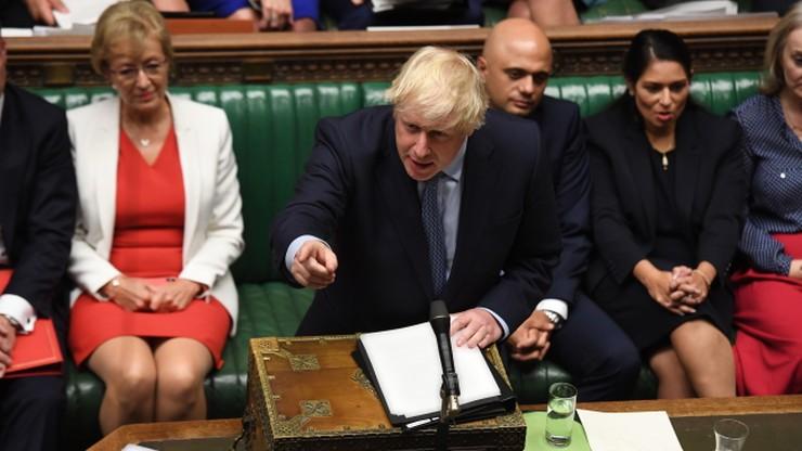 """""""Albo brexit, albo wotum nieufności"""". Emocjonalne przemówienie Johnsona w Izbie Gmin"""