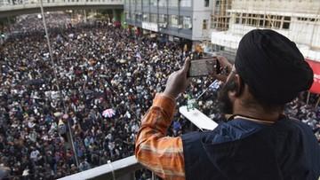 Tysiące demonstrantów na prodemokratycznym marszu w Hongkongu