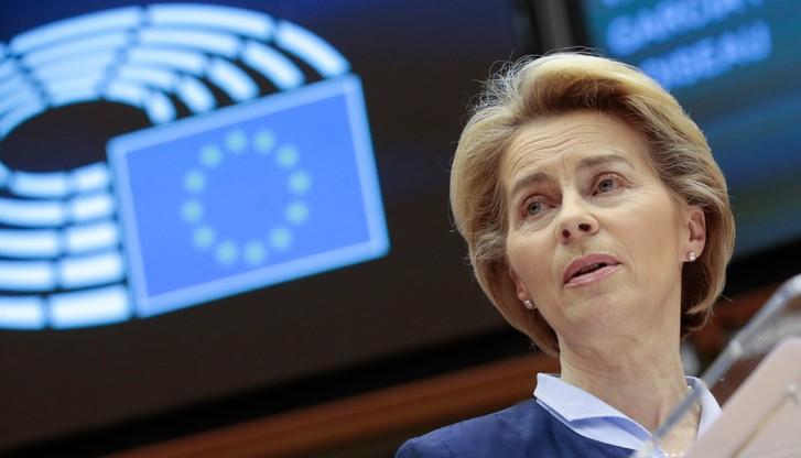 """Komisja Europejska reaguje na podpis prezydenta. """"Badamy zgodność noweli z prawem UE"""""""