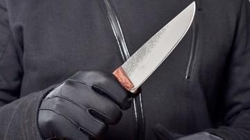 Kilkanaście razy dźgnął policjanta nożem. Usłyszał zarzuty