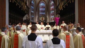W Wielki Czwartek Kościół rozpoczyna triduum paschalne. Wspomnienie męki i zmartwychwstania Jezusa