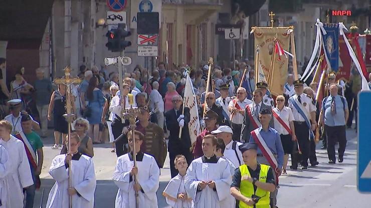 Diecezje ostrożnie o procesjach w Boże Ciało. Tradycyjne procesje pod znakiem zapytania