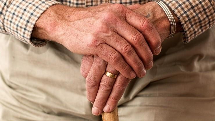 Senacka komisja za odrzuceniem finansowania 13. emerytury z Funduszu Solidarnościowego