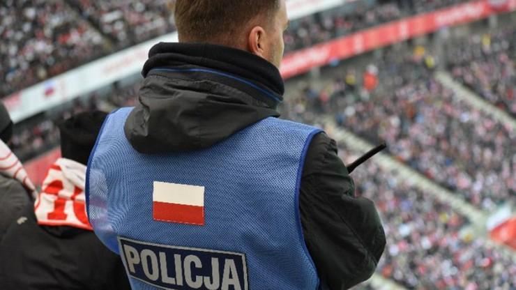 """""""Spottersi"""" z policji znaleźli zagubione dziecko na meczu Polska-Urugwaj"""