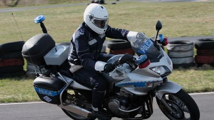 """Mazowieckie: wypadek w kolumnie policyjnych motocykli. """"Efekt domina"""""""