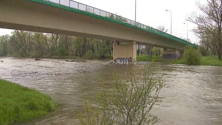 Przybywa wody w rzekach Podbeskidzia. Alarmy na Wiśle i Iłownicy
