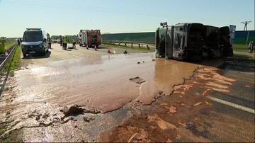 Słodka blokada autostrady A2. Wypadek cysterny przewożącej czekoladę