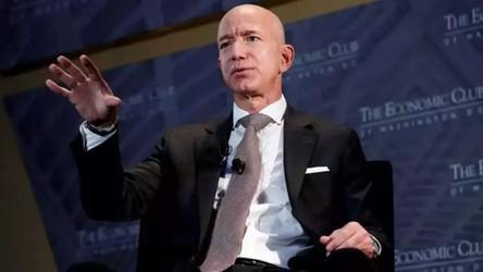 Jeff Bezos odzyskuje tytuł najbogatszego człowieka świata, i to na dłużej