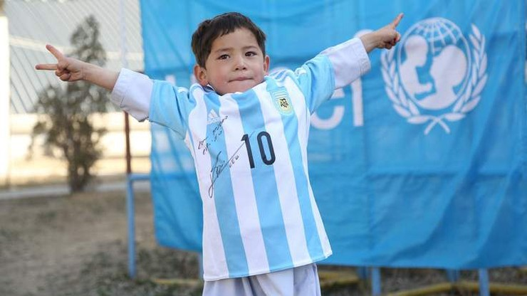Messi wysłał dwie koszulki 5-letniemu Afgańczykowi