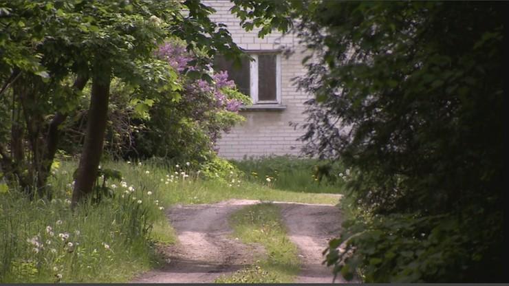 """Dom strachu w podlubelskiej wsi? """"Z półnagą kobietą nie było kontaktu"""""""