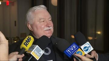 """Wałęsa w USA: koszulką z hasłem """"Konstytucja"""" przekazuję, że nadal walczę"""
