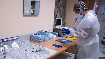Wirusolog: maseczki chronią, testy genetyczne są wiarygodne