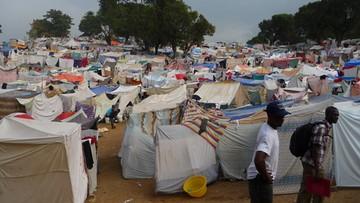 Haitańczykom kończy się status ochronny w USA, więc uciekają do Kanady. Większość wniosków o azyl odrzucona