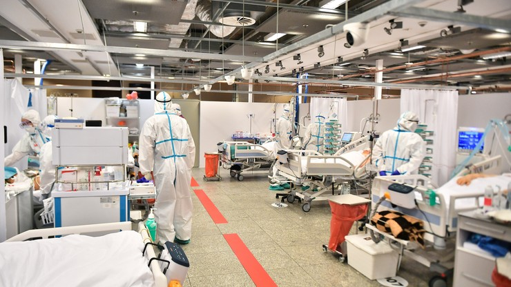 Trzecia fala w Polsce. Szpitale na granicy wytrzymałości
