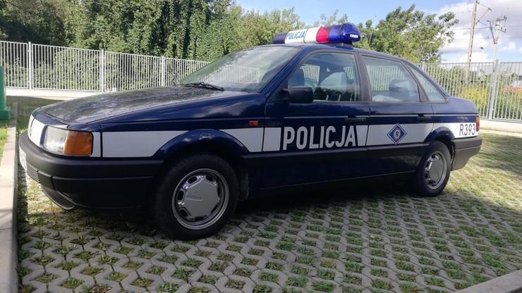 """Fałszywi """"policjanci"""" zatrzymani podczas kontroli drogowej. Jechali """"radiowozem"""""""